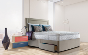 Sealy Posturepedic Pearl Luxury Divan Bed Roomshot