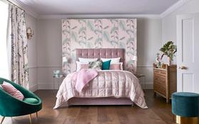 Sleepeezee Perfectly British Strand 1400 Pocket Mattress Dressed Roomshot