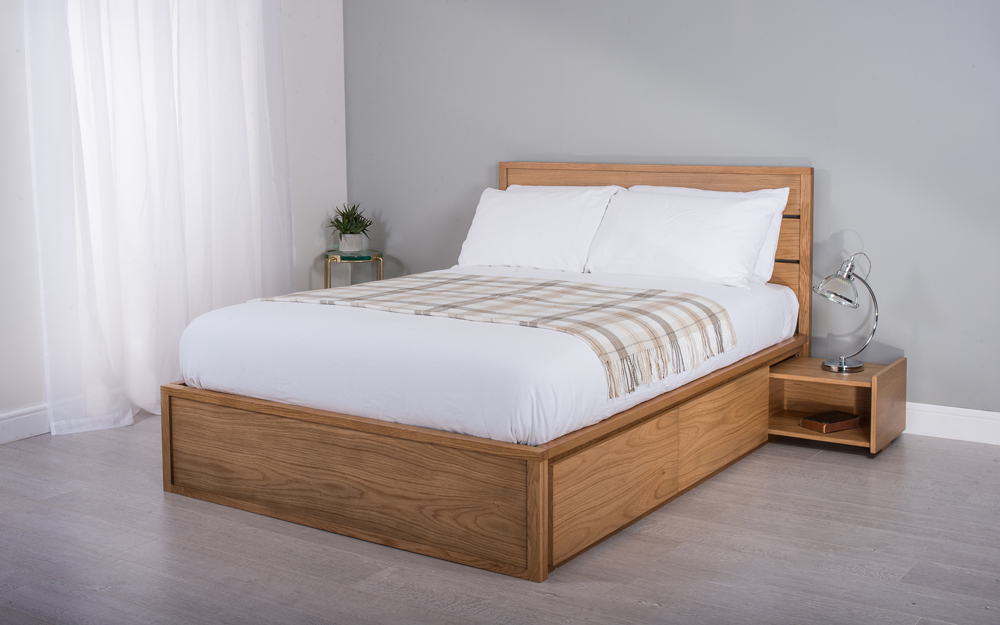 Cadot Windsor Oak Wooden Bed