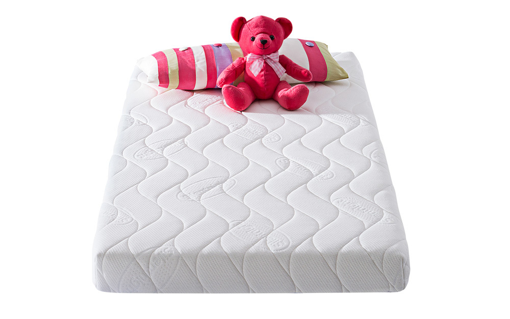 The Silentnight Safe Nights Mini Spring Cot Bed Mattress is designed to offer a safe and sound sleep for your baby